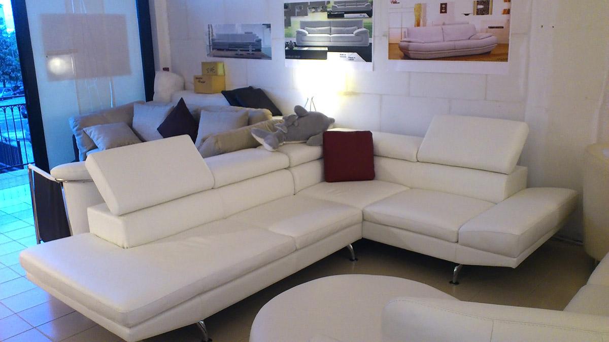Divani offerta divani disponibili - Divano bianco in pelle ...