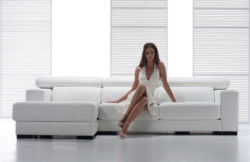 Divano angolare donna for Divani larghezza 150 cm